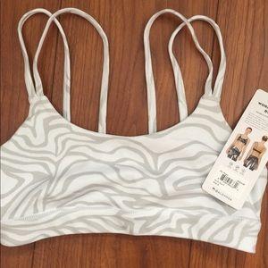 Alo Yoga work it out bra white zebra S or XS NWT